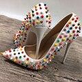 Белый многоцветные заклепки высокие каблуки эксклюзивный бренд патент PU заклепки мелкой рот высокие каблуки насос волна 10 см 12 см