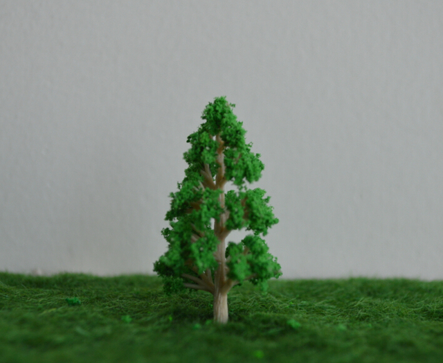 FREE SHIPPING100pc 2.5cm high scale train layout miniature  plastic tree forest  for architecture landscape modelism