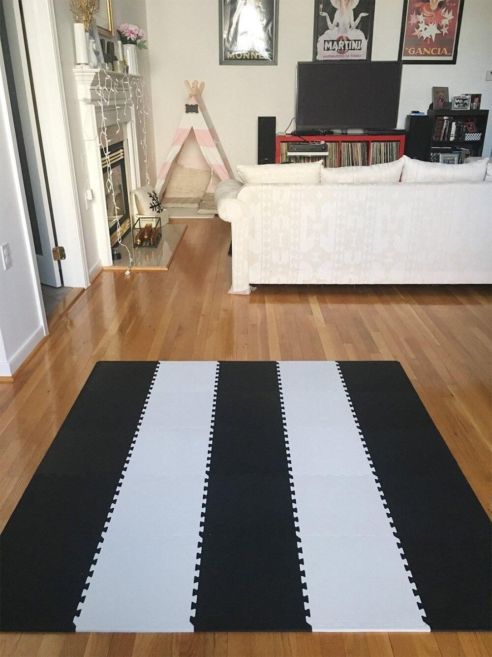 Tapis de Puzzle Meitoku Baby EVA en mousse, tapis de sol noir blanc à emboîtement, tapis de 25 carreaux pour enfants. Chaque bord libre de 32x32 cm. - 6