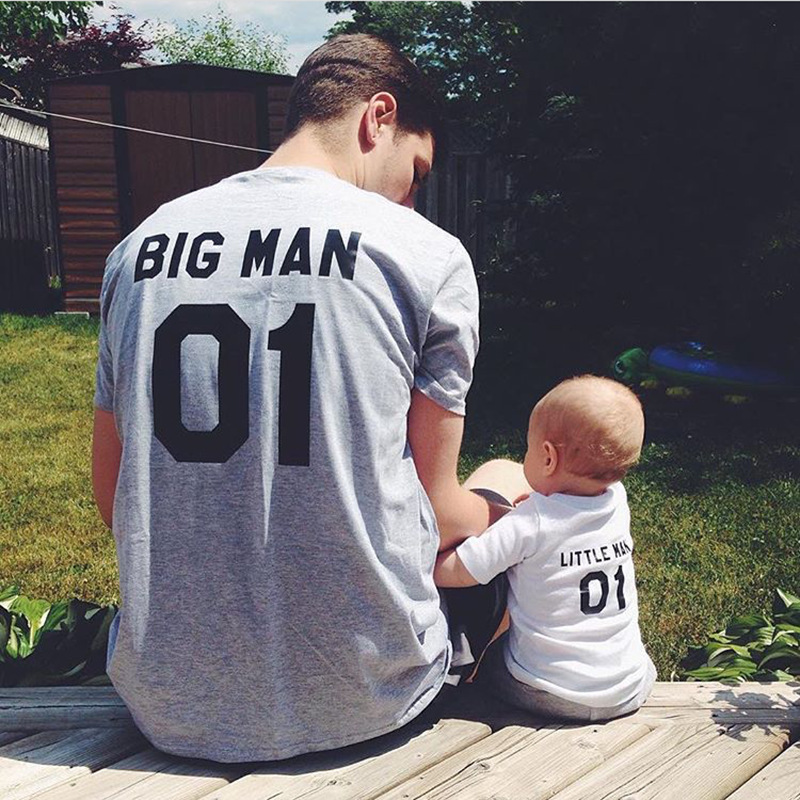 Family Matching Clothes Big Little Man T shirt Daddy and Me Outfits Father Son Dad Baby Boy Kids Look Summer Clothing Brothers in Matching Family Outfits from Mother Kids