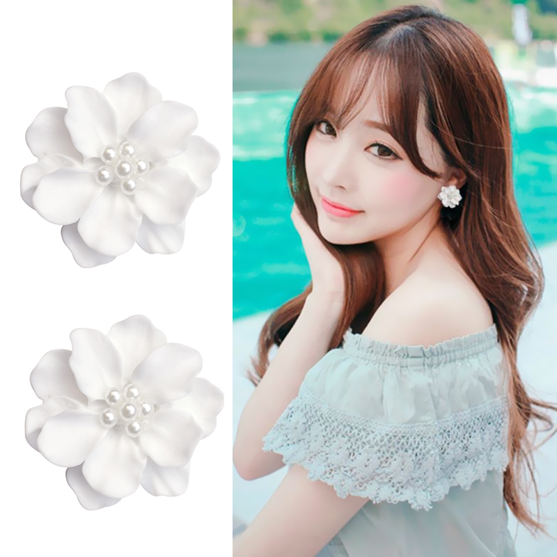 LNRRABC 2018 New Arrival 1Pair Allergy Free New Fashion Big White Flower Earring Women And Girls Wedding Graceful Hot Sale Gifts