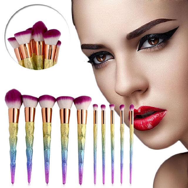 10 PCS Pincéis de Maquiagem de Plástico Alça de Diamante Sintético Cabelo Rainbow Glitter Em Pó Fundação Kits Sombra compo o jogo Da Escova