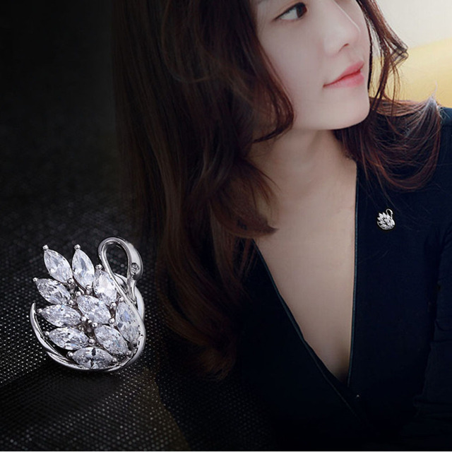 OngoingMelody Swan Rhinestone Brooch for Scarf Silver Color Crystal Brooches for Women Fashion Elegant Pins Jewelry Accessories