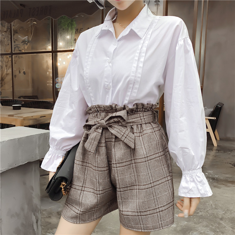 Fashion Women 2018 spring new temperament trumpet sleeve shirt + high waist lattice shorts two sets of elegant casual suit