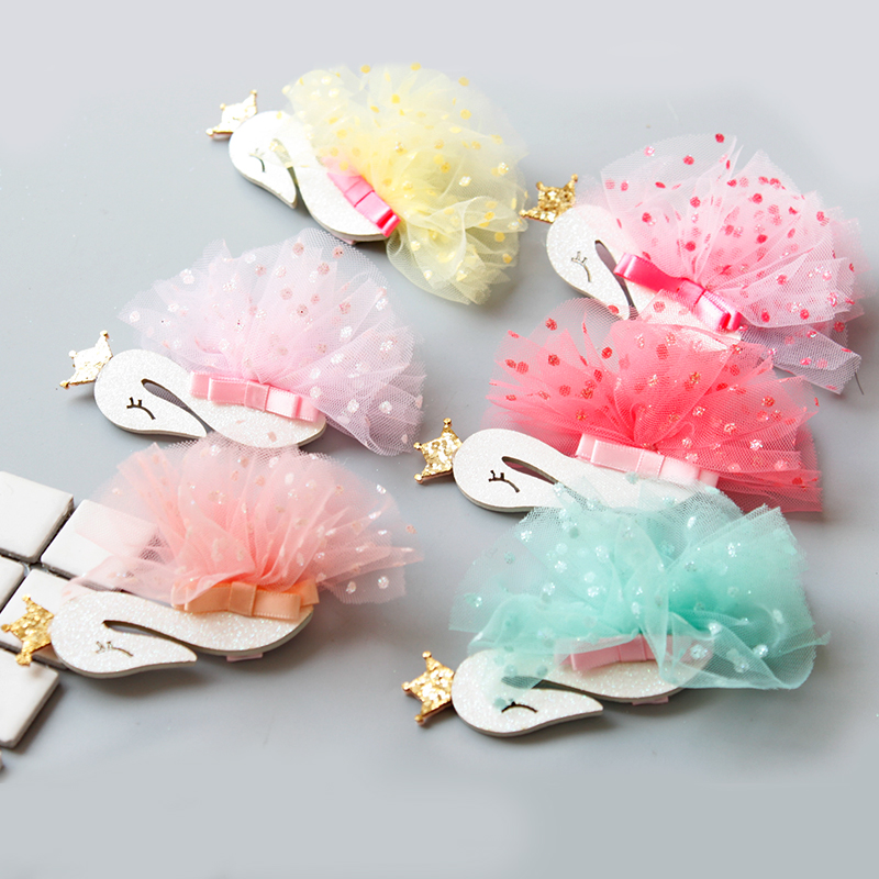 2017 New Korean Fashion Magzine Girls Hair Clips Bling White Swan Princess Flower Hairpins for Children Kids Hair Accessories He