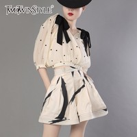 TWOTWINSTYLE Flare Shorts Suits Print Lace Up Bow V Neck Lantern Sleeve Short Shirt With High