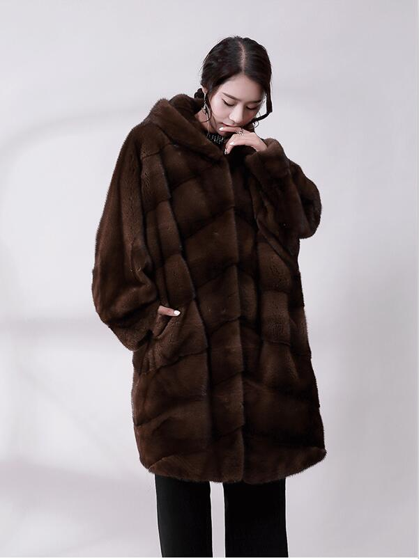 Autumn And Winter New Ladies Imported Real Mink Fur Coat Mink Coat Female Loose Bat Cuff Cap Fur Clothing