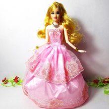 29bfa67202e21 Bir Adet 2017 Prenses Düğün Elbise Asil Parti Kıyafeti Için Barbie bebek  Kız 'Moda Tasarımı Kıyafet Için En Iyi Hediye Bebek aks.
