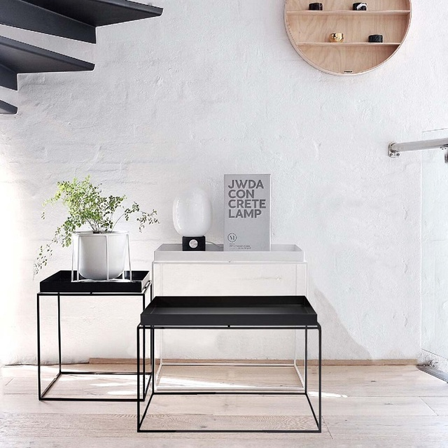 Design moderno Metallo Vassoio In Acciaio Tavolo moderno loft Lato ...