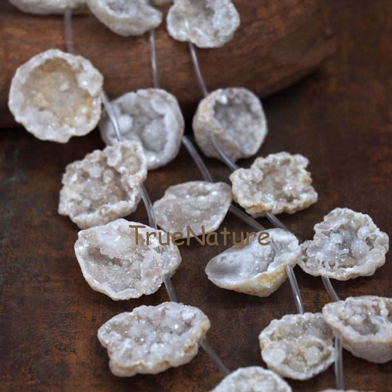 Natural White Agates Geode Loose Strand Beads Wholesale Druzy Agates Slice Pendant Beads Jewelry Findings In 39*45 mm BE7081 faceted nugget loose beads sakura agates loose beads full strands cherry agates stone petite nuggets beads in 12 30 mm be7578