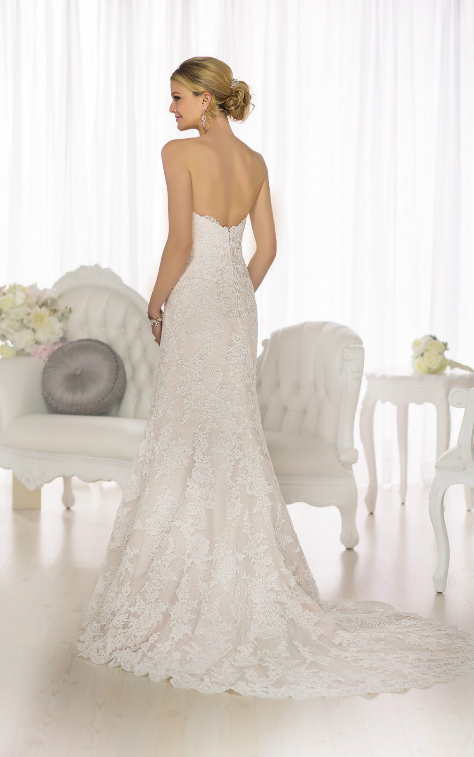 modified A Line wedding dress from Essense of Australia offers the ...