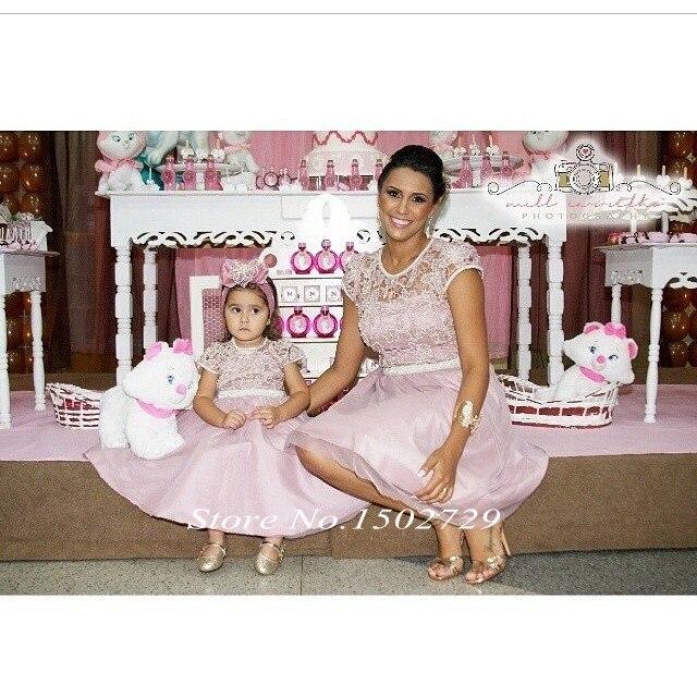 De encaje de color rosa dos 2 unidades madre e hija vestidos para la familia Vestido