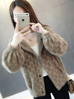 2019 A new fashion sweater woman wears a loose knitted cardigan outside