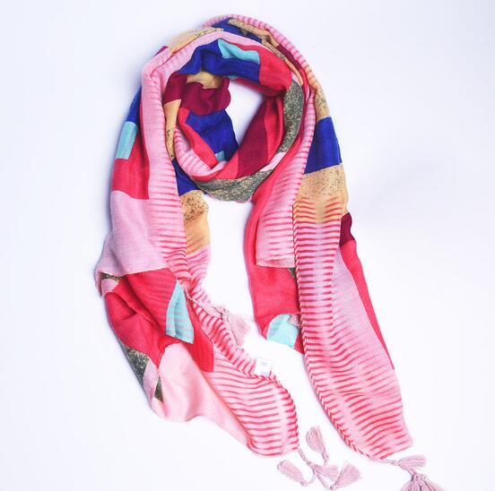 Écharpe à pompon en soie de coton à carreaux colorés pour femmes