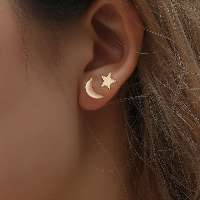 1 Pairs Hot Lovely Gold Silver Animal Heart Star Moon Stud Earrings for  Women Simple Minimalist Earrings Jewelry Accessories