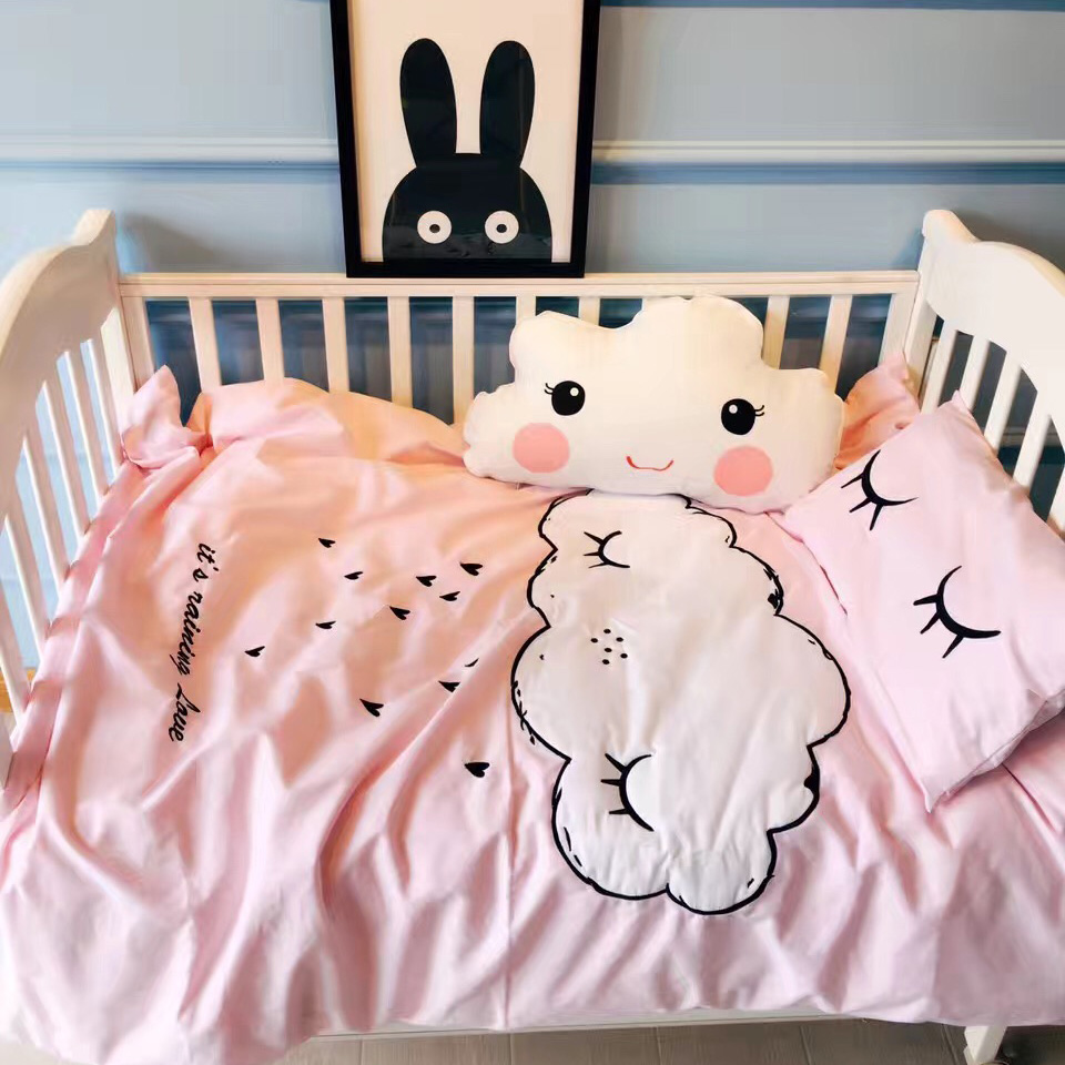 Baby quilts bed covers - 2016 Winter New Baby Crib Bedding Set Cloud Embroidery Eyelash Pattern Crib Sheet Mattress Quilt Cover