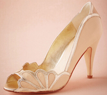 Erröten Frauen Hochzeit Schuhe 2016 Vintage Braut Scalloped Ferse PU Peep Toe Nach Maß Mode Sandalen Sexy Elegante Schuhe