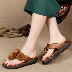 Image 3 - GKTINOO Retro kwiaty klapki damskie 2020 letnie kapcie z prawdziwej skóry kobiet kliny buty kobieta