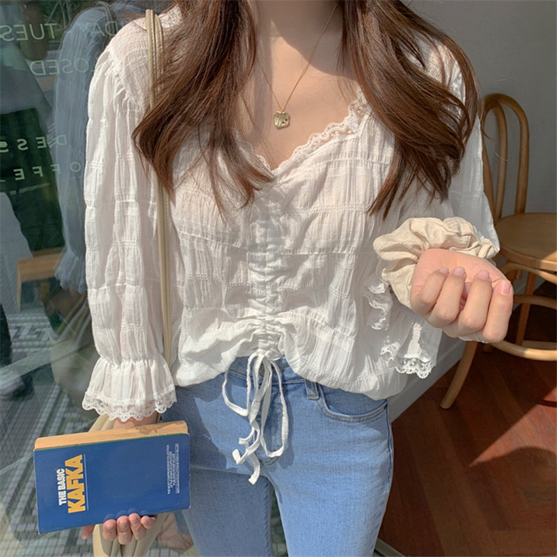 Alien Kitty Cute Chic Fresh V-Neck Drawstring White 2019 Sweet Flare Sleeves Ruffles Simple High Quality Lace Short Shirts