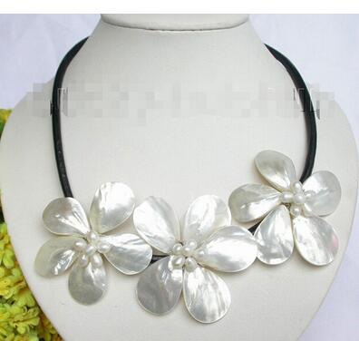 Gros bijoux de mariage de belles femmes Baroque bloom blanc perle coquillage collier en cuir ras du cou