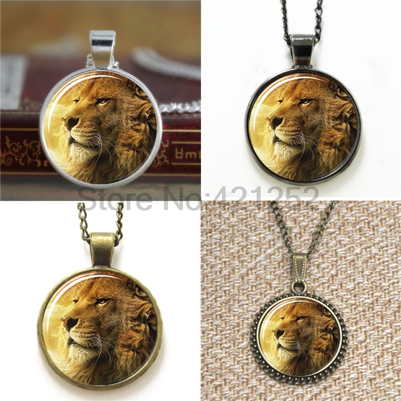 Vintage Polaroid Camera, Background Photography glass Cabochon Necklace AA2 keyring bookmark cufflink earring