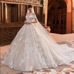 Image 1 - לקנות 1 מקבל 1! Liyuke מעודן ויוקרתי כדור שמלת שמלות כלה כבוי כתף חתונת שמלה עם צעיף מתנה