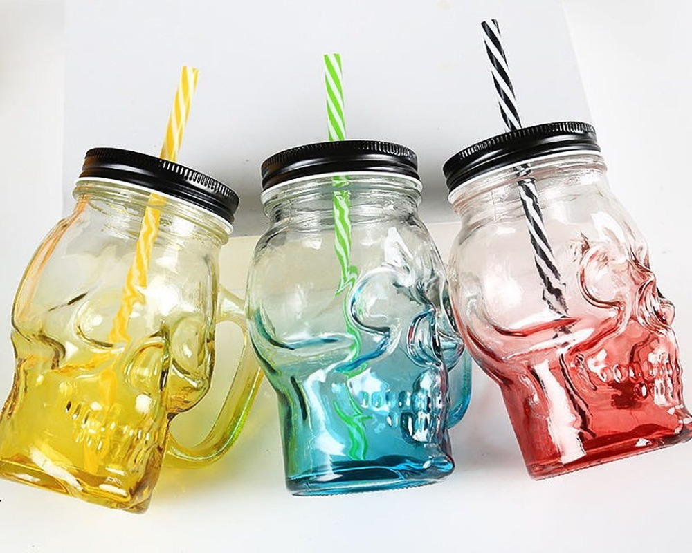 Free Shipping 500 ml Colored Skulls with the Glass Beer Mug Large Beer on Draft a Mason Jar Novelty Heavy Base Glass Skull Face