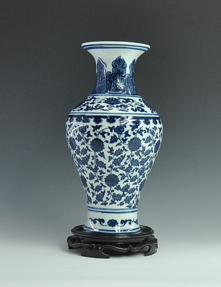 Antique Chinese Blue And White Ceramic Porcelain Vase With Qing