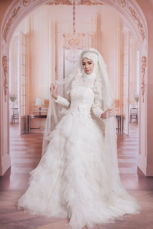 romona keveza wedding dresses all white wedding dress Romona Keveza s Spring Collection Is All About Feminine Florals
