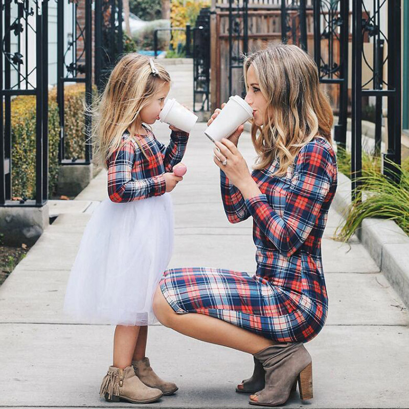 Family Matching Outfits Mother Daughter Dresses 2019 Spring Autumn Women Moms And Girls Clothes Long Sleeve Plaid Family Dress