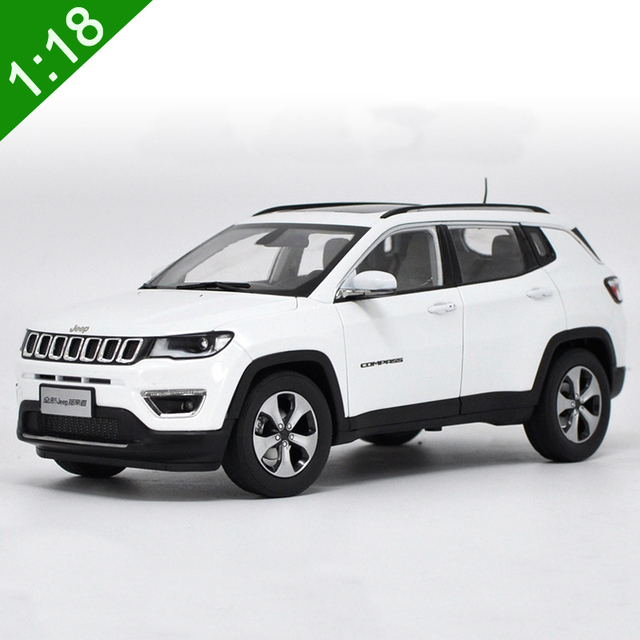 New 1 18 Cast Model For Jeep Comp 2017 White Suv Alloy Toy Car Collection