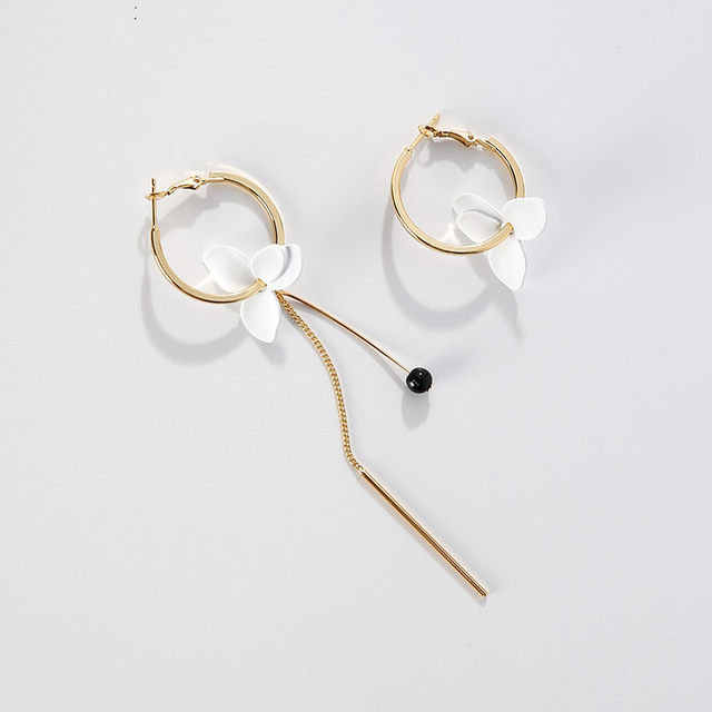 2017 Trendy Vacation Style White Flower Earrings For Women Alloy Big Circle Stri
