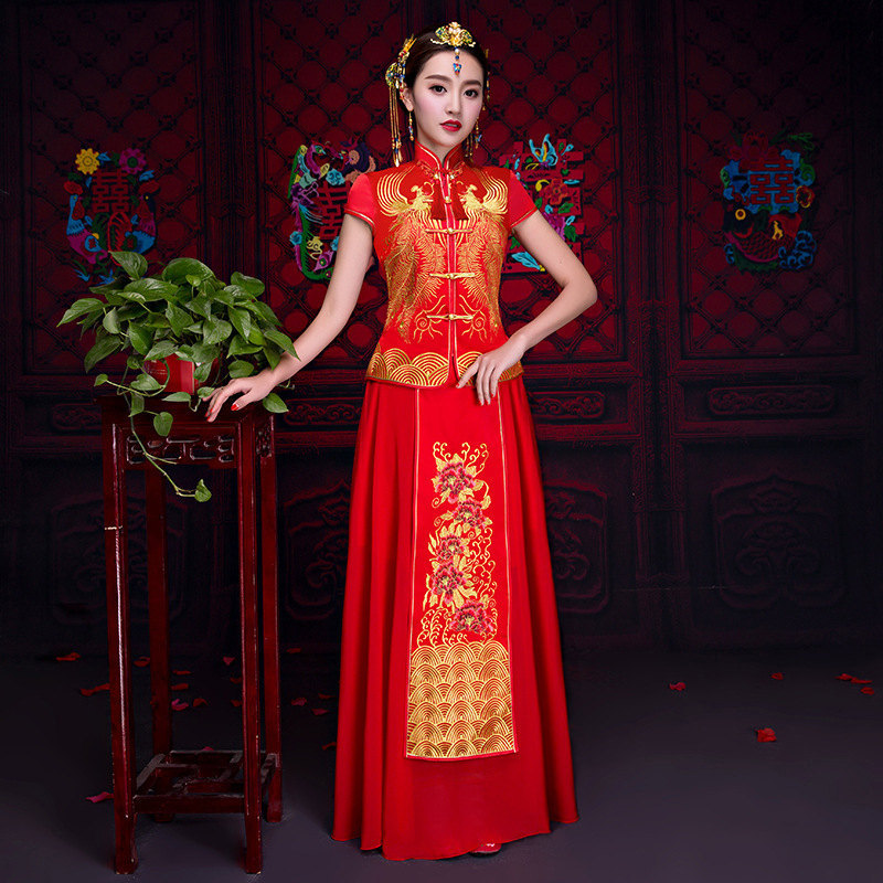 Здесь продается  Oriental Asian Bride beauty Chinese traditional Wedding Dress Women Red Floral Long Sleeve Embroidery Cheongsam Robe Qipao style  Одежда и аксессуары