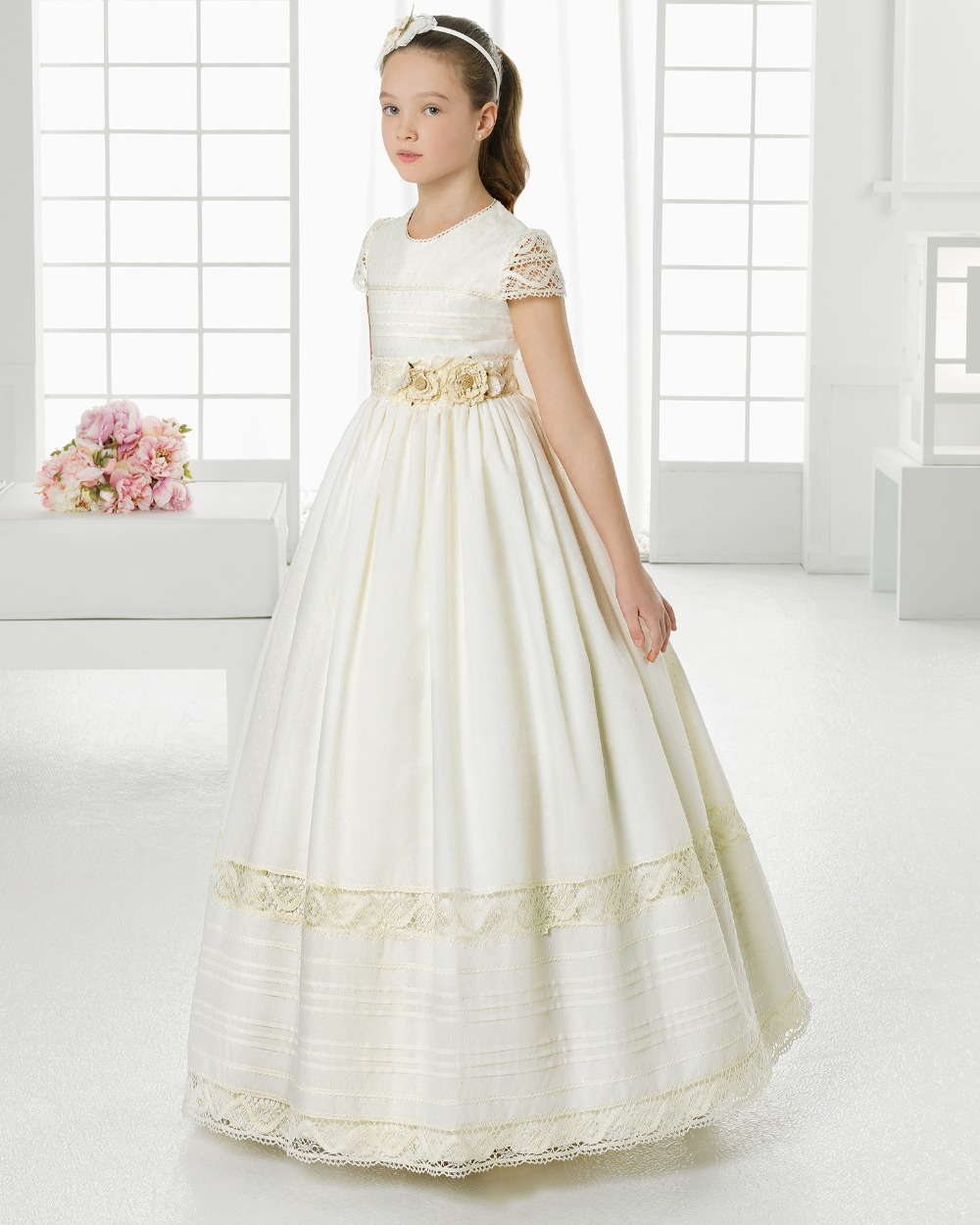 2017 first communion   dresses   for   girls   Satin Ball Gown Lace Short Sleeve   Flower     Girl     Dresses   for weddings   girls   pageant   dresses