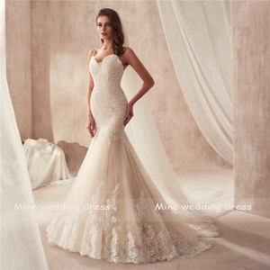 Image 2 - Spaghetti Dây Đeo Champagne Mermaid Wedding Dress 2871 Pháp Ren Appliques trên Tulle với Hemline Wide Bridal Gowns