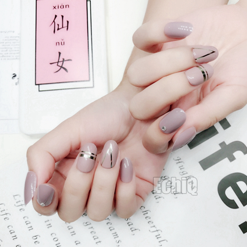 Brown with Silver Metallic Line Fake Nails 28pcs/set Acrylic