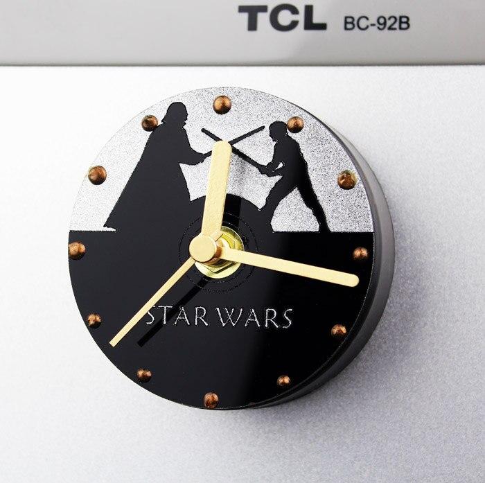 Criativo Relógio de Parede Auto adesivo de decoração para casa Crianças STAR WARS Darth Vader Em Branco Imã de geladeira Da Cozinha Relógio Digital Relógio de Parede