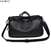 2018 Fashion New Classic Women Washed PU Leather Rivet Handbag Designer Larger Women Shoulder Bag Motorcycle Messenger Bag bolso