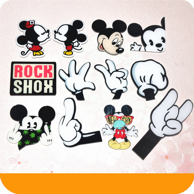 a23e253dce83 1PCS Cute Cartoon Character Badge Mickey Minnie Mouse Shaped Acrylic Badges  Clothes Brooch Pins Icons On The Backpack Decoration