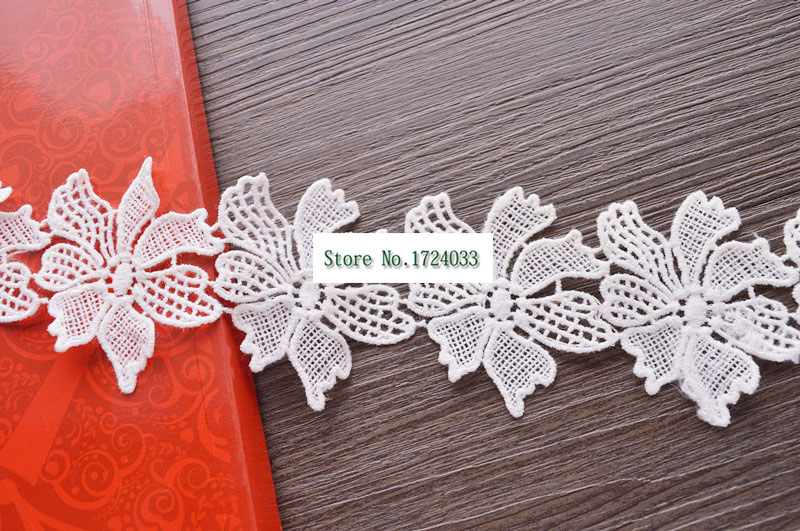 5Yards Exquisite white flowers embroidery lace accessories new milk silk water soluble embroidery width 6.2cm SC451