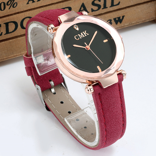 Men and Women Casual Precious Gem l Leather  Wristwatch