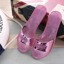 2017 New Women's Beach Shoes Word Slippers Female Summer Sandals Bath Indoor Drag Jelly Shoes Wholesale