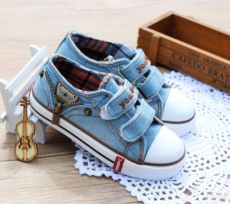 все цены на 2018 European Canvas Patchwork baby casual shoes Hook&Loop Jean fashion baby sneakers High quality sports girls boys toddlers онлайн