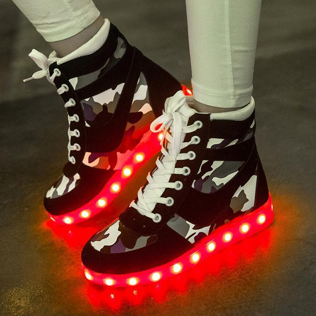 2017lights up LED luminous shoes high top glowing casual shoes Unisex adults neon LED shoes High help camouflage single shoes size 36 43 led shoes glowing 7 colors led women fashion luminous led light up shoes for adults