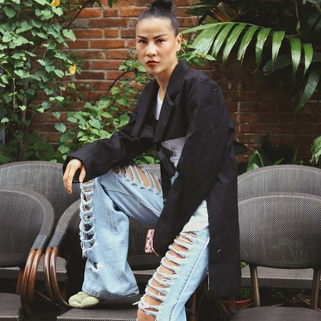 b151392ceb08 TWOTWINSTYLE Irregular Blazer Mulheres Patchwork Lace Up Longo Manga do Casaco  Feminino Tamanho Grande Moda Outono Roupas Streetwear Tops em Blazers de ...