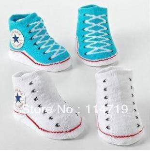 9f0a4ce8f8 2 par lote atacado venda quente do bebê menino menina meias 0 6 meses  personalizado calçados falso sapatos recém nascidos meias YEX034 em Meias  de Mãe ...