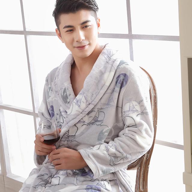 Nuevos hombres del camisón de franela gruesa aumento en otoño e invierno coral albornoces del traje de terciopelo pijamas servicio a domicilio