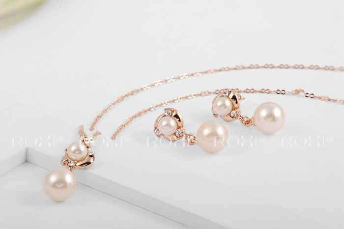 58e92bc5d ... ROXI Vacation Simulated Pearl Hand Made Jewelry Sets Rose Gold Color  Stud Earrings Necklace Pendant Fashion