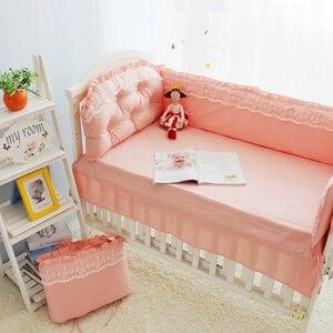 Кружевной розовый комплект постельного белья для маленькой принцессы, 100% хлопок, детская кровать, простыня, одеяло, бамперы в кроватку, детс...