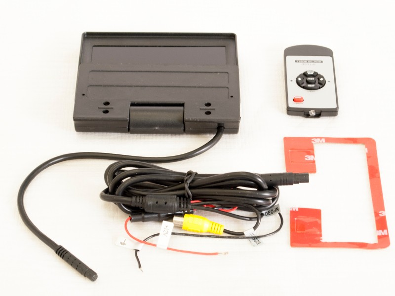 On-dash-5-Car-Parking-Monitor-800x480-for-a-Rerview-Camera-with-automatic-drive-AVIS-Electronics (4)